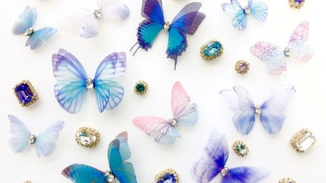 綺麗な青い蝶々のビジュー